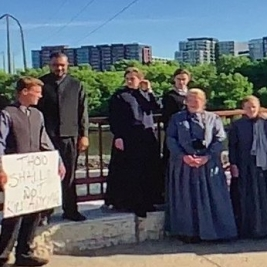 Image of Church of God protestors at George Floyd protest
